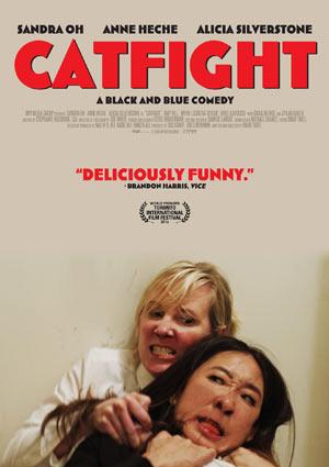 Film Still CATFIGHT von Onur Tukel mit Sandra Oh, Anne Heche, Alicia Silverstone, Tituss Burgess und Catherine Curtin